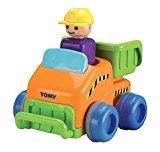 TOMY Flinker Laster   Spielzeug für Kleinkinder   Autofahrzeug für Kinder ab 12 Monate   Spielzeug Trecker zum Schieben & mit Selbstfahrfunktion aus Kunststoff   Ideal als Geschenk