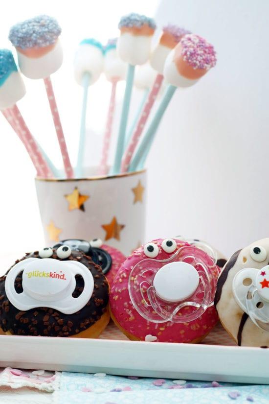babyparty essen donuts mit gesicht