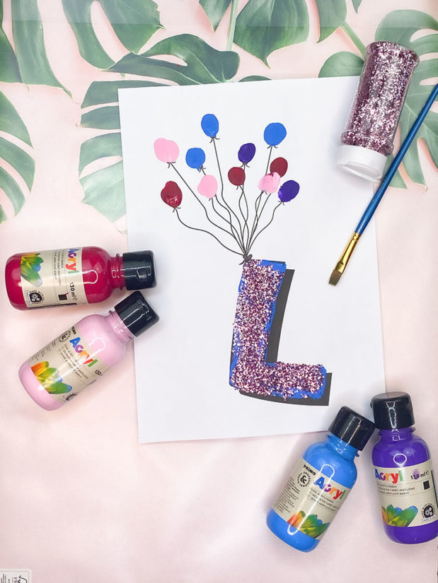 fliegende buchstaben fuer die kinderzimmertuer-kreative tuerschilder basteln3