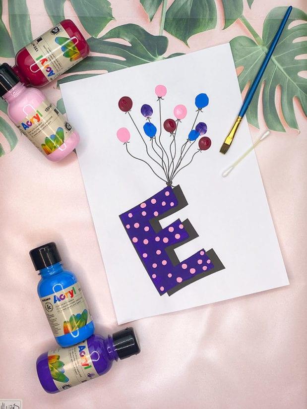 fliegende buchstaben fuer die kinderzimmertuer-kreative tuerschilder basteln2