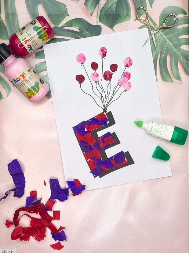 fliegende buchstaben fuer die kinderzimmertuer-kreative tuerschilder basteln4
