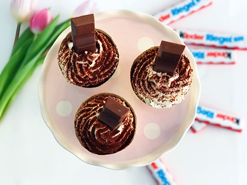 kinderriegel cupcakes rezept von oben