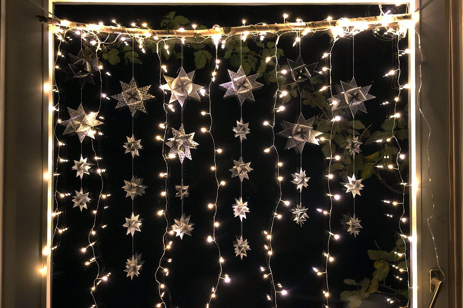 weihnachtsbeleuchtung f r 39 s fenster selber machen faminino. Black Bedroom Furniture Sets. Home Design Ideas
